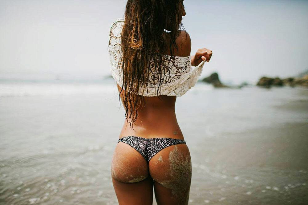 [Image: woman-beach-round-butt.jpg]